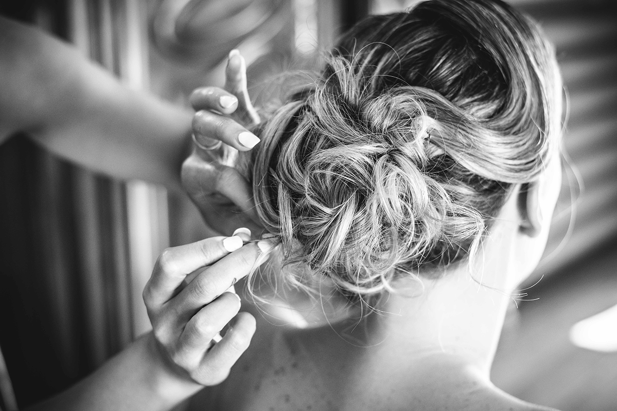 Préparatifs coiffure Photographe mariage grenoble Isere Marie-Cat