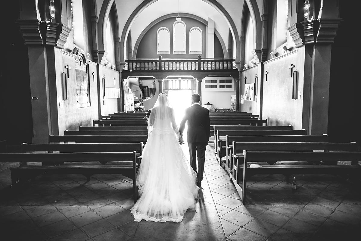 Sortie église Photographe mariage grenoble Isere Marie-Cat