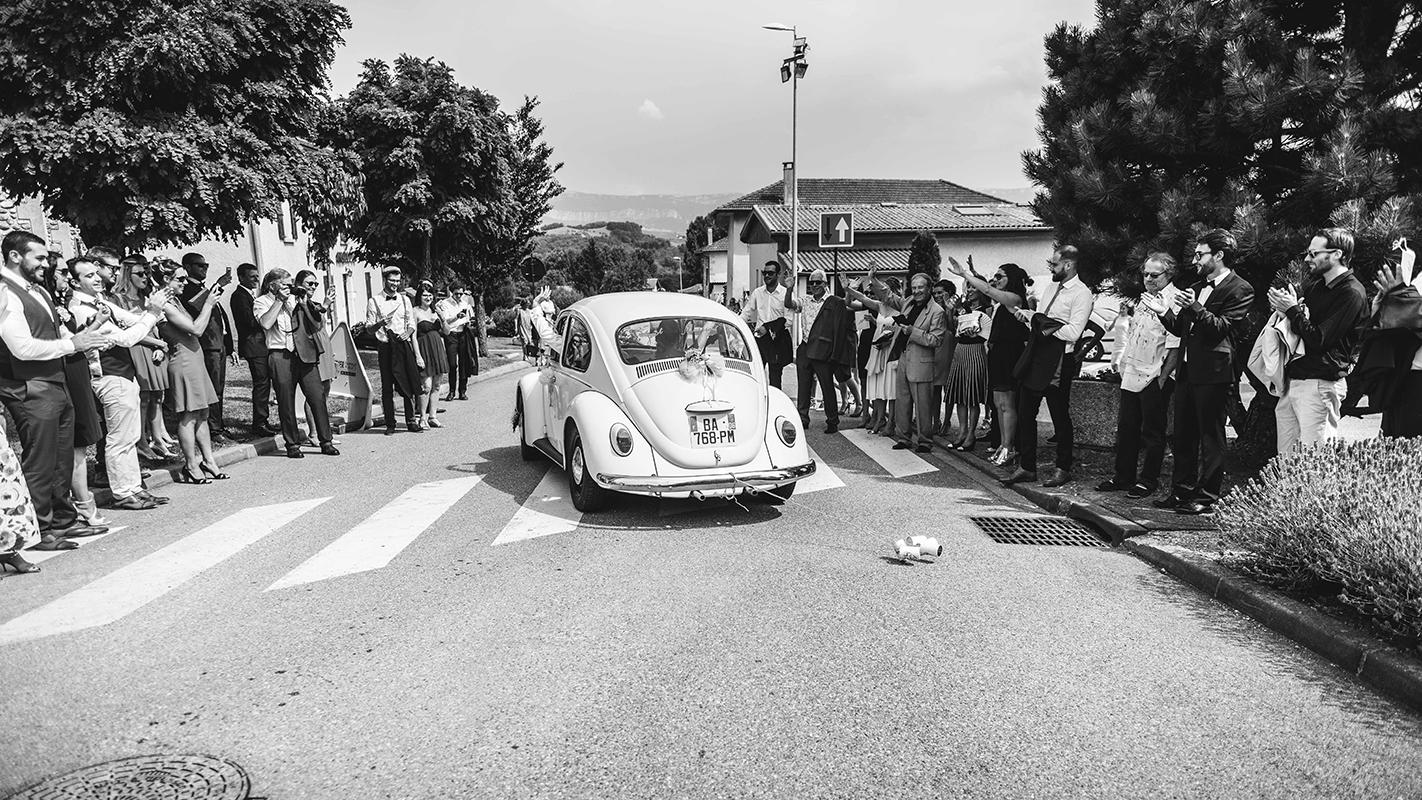 départ des mariés Photographe mariage grenoble Isere Marie-Cat