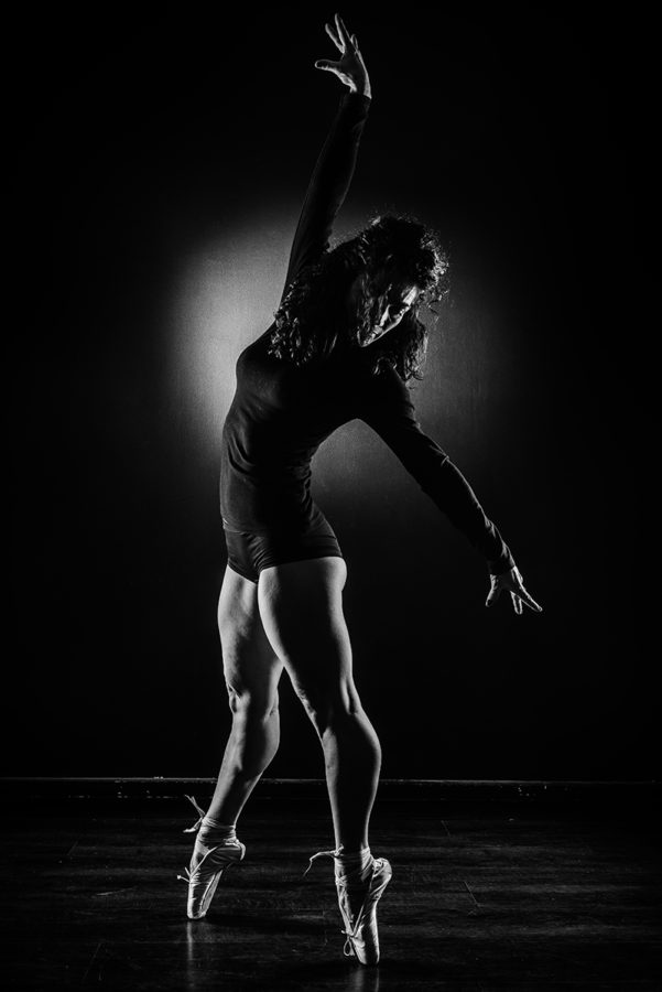 portrait danse clair obscure photo mode studio Photographe grenoble Isere Marie-Cat Photographies